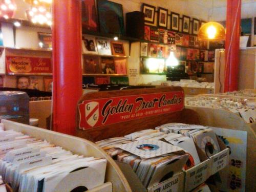heaven for vinyl lovers...