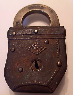 mail pouch padlock, back