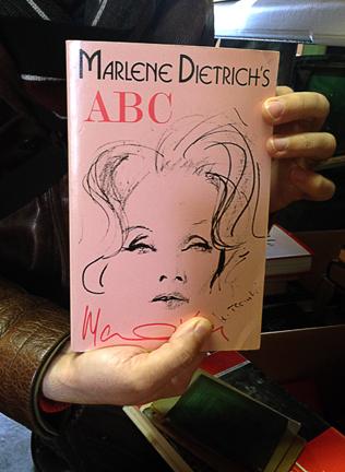 pink & black? LOVE. la dietrich? LOVE LOVE.