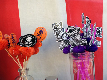 skulls, stripes, and pirates...what's not to love?